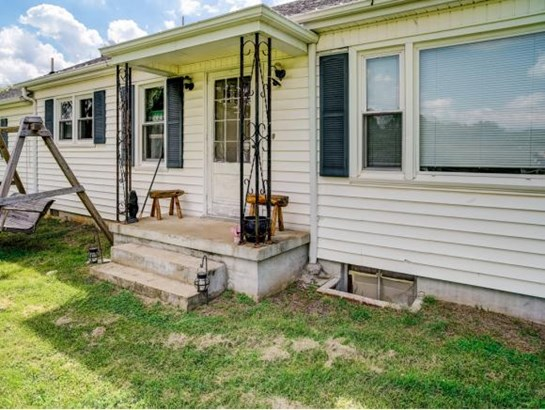 Residential/Single Family - Bluff City, TN (photo 4)