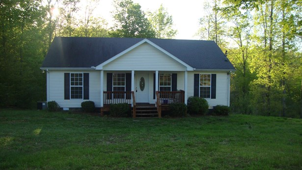Residential/Single Family - Charlotte, TN (photo 1)