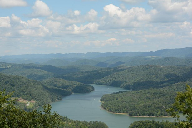 Residential/Single Family - New Tazewell, TN (photo 2)