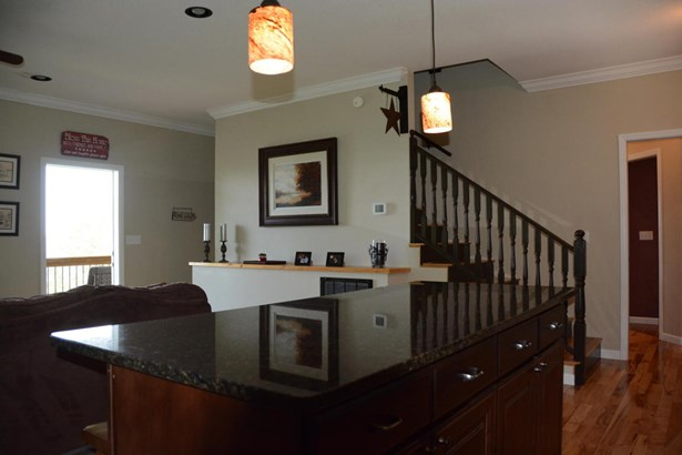 Residential/Single Family - New Tazewell, TN (photo 4)