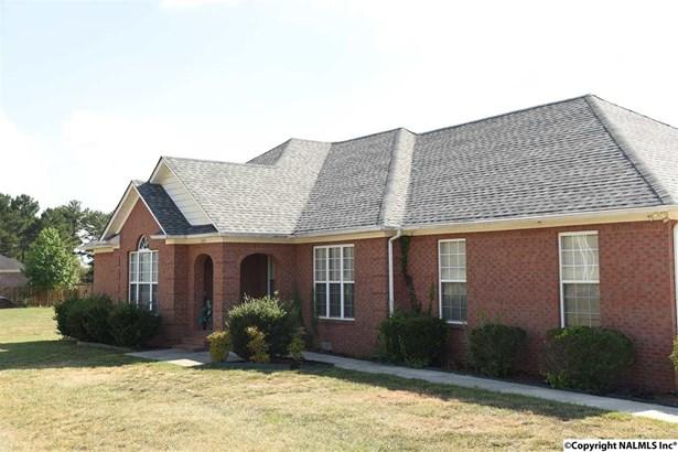 Residential/Single Family - TONEY, AL (photo 2)