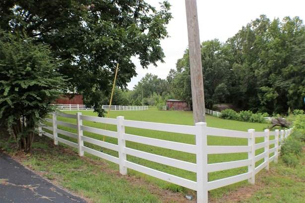 Residential/Single Family - Saltillo, TN (photo 3)
