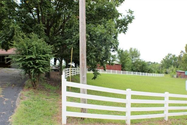 Residential/Single Family - Saltillo, TN (photo 4)