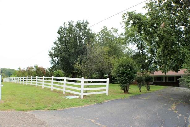 Residential/Single Family - Saltillo, TN (photo 5)