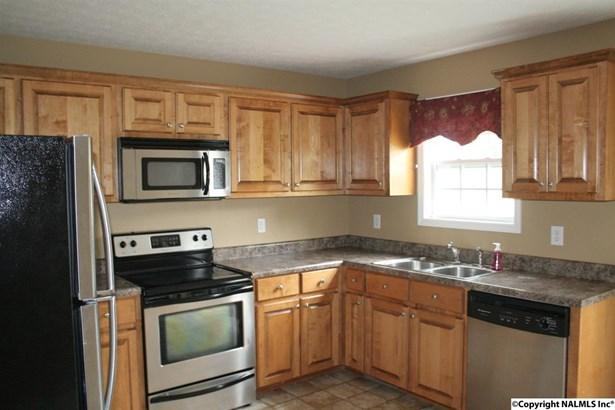 Residential/Single Family - ELKMONT, AL (photo 2)