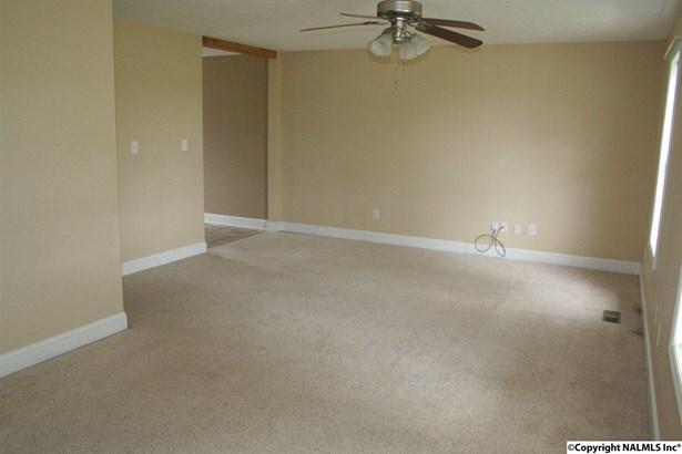 Residential/Single Family - ELKMONT, AL (photo 5)