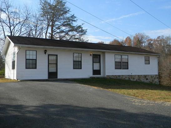 Residential/Single Family - Oliver Springs, TN (photo 1)