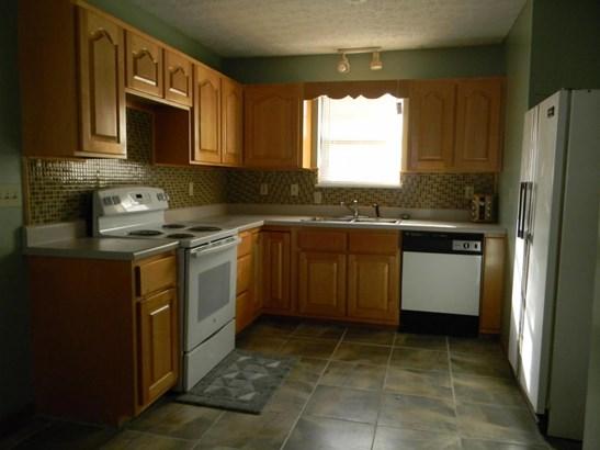 Residential/Single Family - Oliver Springs, TN (photo 3)