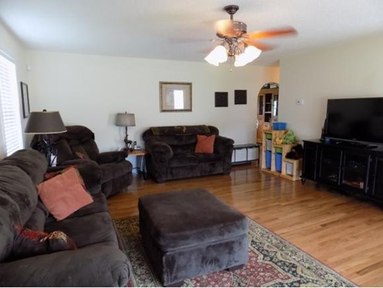 Residential/Single Family - Piney Flats, TN (photo 3)