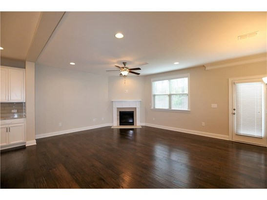 Residential/Single Family - Suwanee, GA (photo 3)