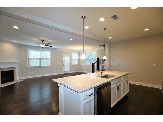 Residential/Single Family - Suwanee, GA (photo 5)