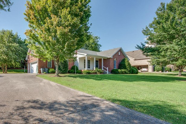 Residential/Single Family - Greenbrier, TN (photo 2)