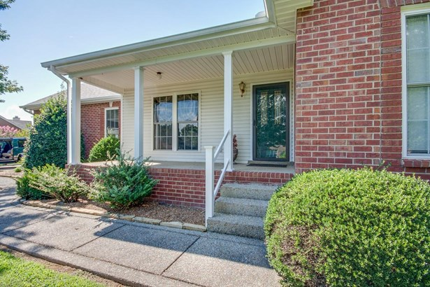 Residential/Single Family - Greenbrier, TN (photo 4)