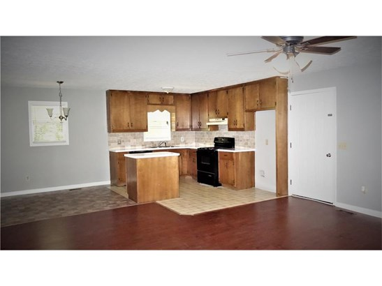 Residential/Single Family - Flowery Branch, GA (photo 4)