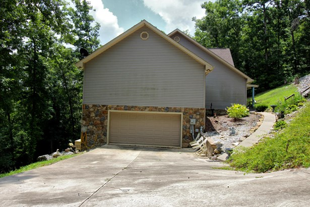 Residential/Single Family - Monterey, TN (photo 3)