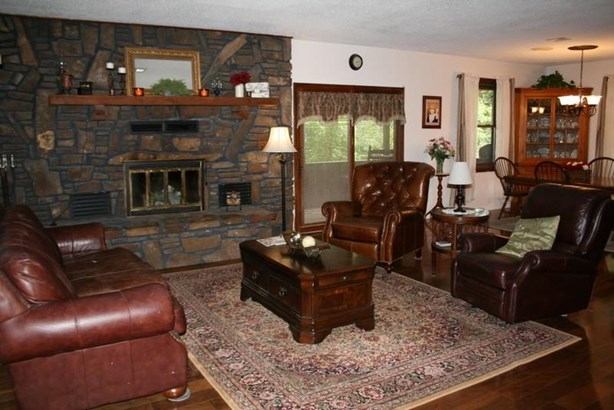 Residential/Single Family - Gentry, AR (photo 5)