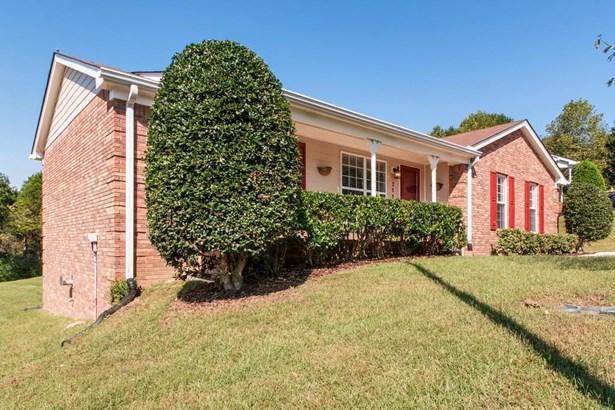 Residential/Single Family - Ashland City, TN (photo 2)
