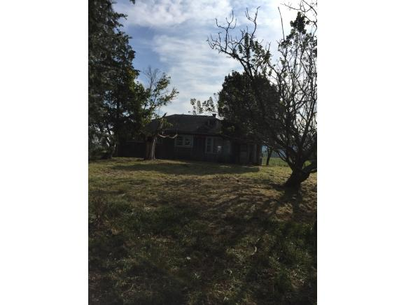 Residential/Single Family - Thorn Hill, TN (photo 2)