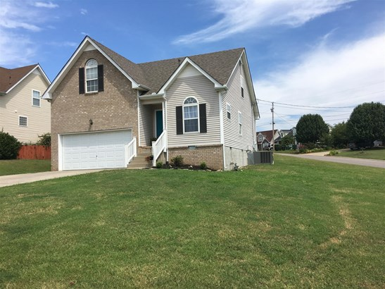 Residential/Single Family - La Vergne, TN (photo 2)
