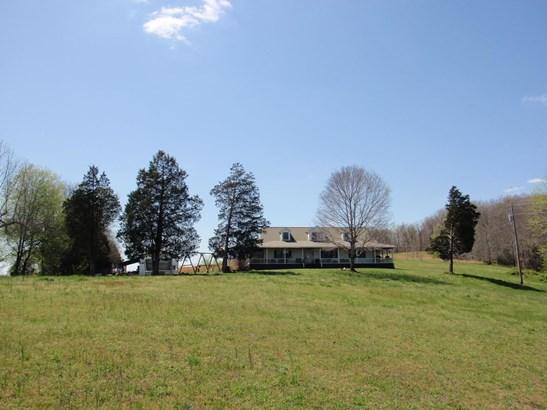 Residential/Single Family - Mc Ewen, TN (photo 3)