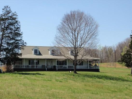 Residential/Single Family - Mc Ewen, TN (photo 4)