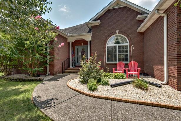 Residential/Single Family - Springfield, TN (photo 3)