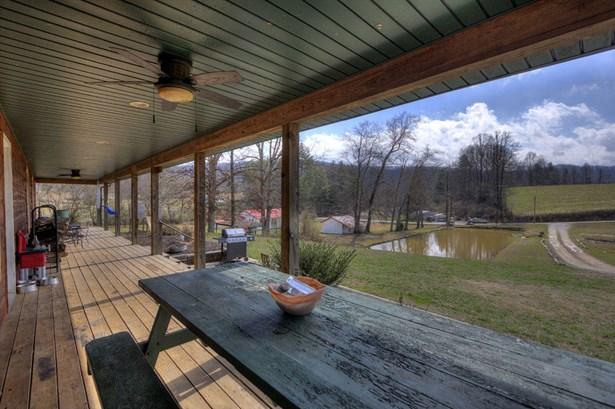 Residential/Single Family - Oliver Springs, TN (photo 2)