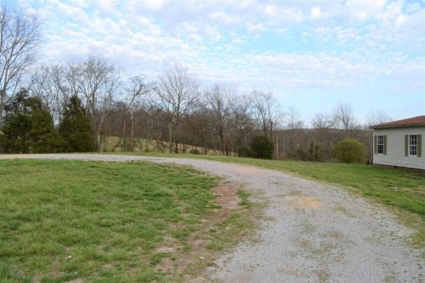 Residential/Single Family - Williamsport, TN (photo 3)