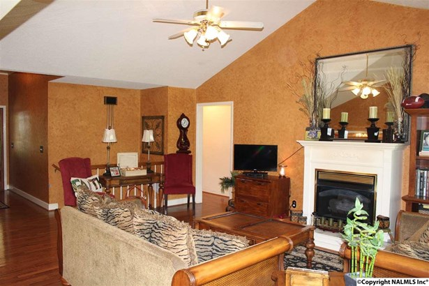Residential/Single Family - ARAB, AL (photo 5)