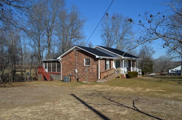 Residential/Single Family - Charlotte, TN (photo 2)