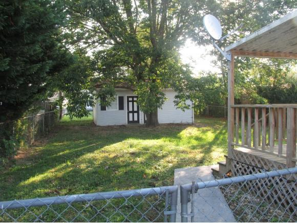Residential/Single Family - Elizabethton, TN (photo 3)
