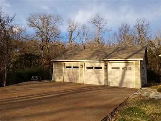 Residential/Single Family - Elkins, AR (photo 3)