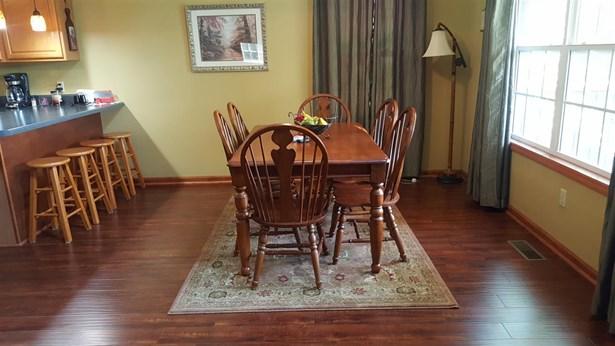 Residential/Single Family - Parsons, TN (photo 4)