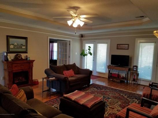 Residential/Single Family - Nesbit, MS (photo 4)