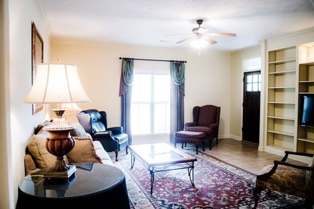 Condo - OXFORD, MS (photo 4)