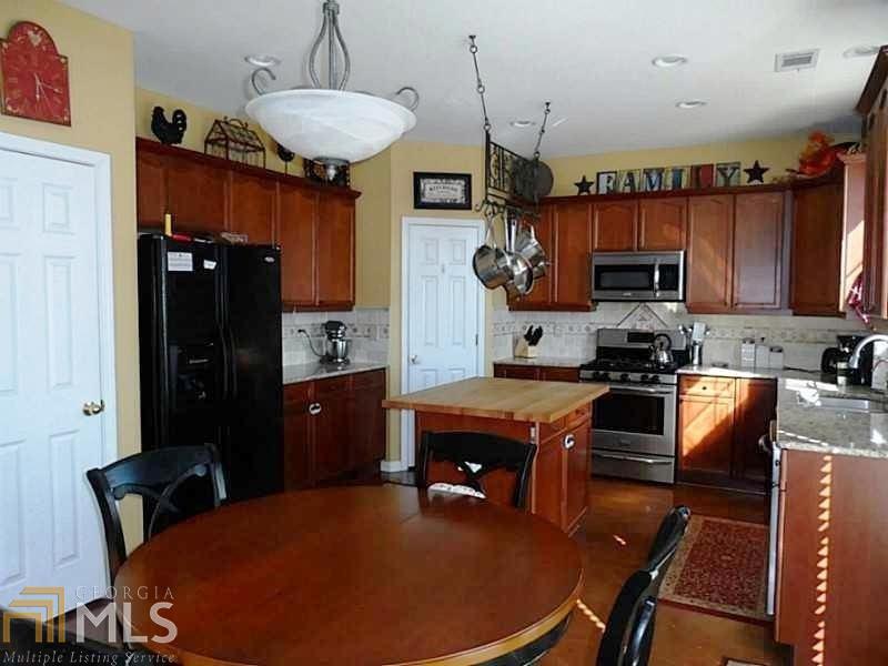Residential/Single Family - Sugar Hill, GA (photo 4)
