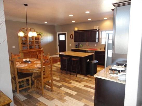 Residential/Single Family - Gentry, AR (photo 5)