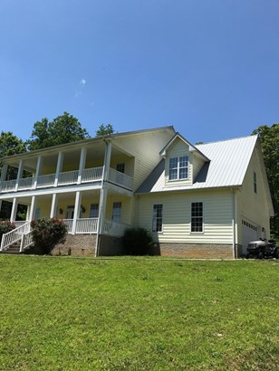 Residential/Single Family - Bon Aqua, TN (photo 2)