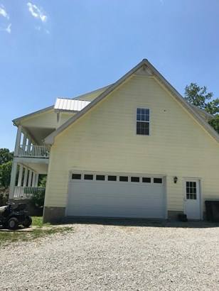 Residential/Single Family - Bon Aqua, TN (photo 3)