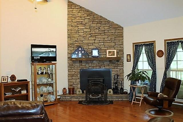 Residential/Single Family - Spencer, TN (photo 4)