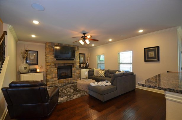 Residential/Single Family - Cave Springs, AR (photo 5)