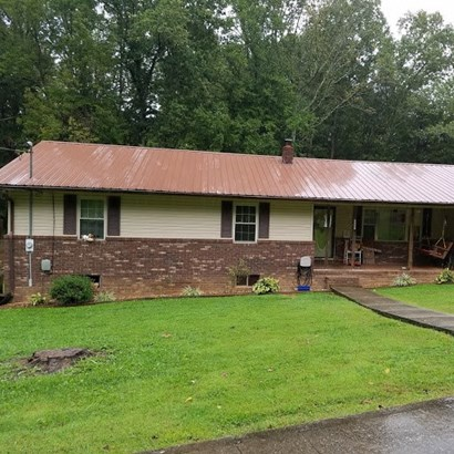 Residential/Single Family - Jamestown, TN (photo 4)