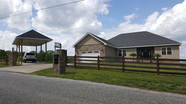 Residential/Single Family - Lobelville, TN (photo 2)