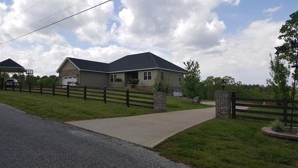 Residential/Single Family - Lobelville, TN (photo 4)