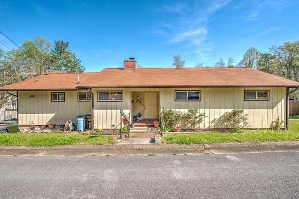 Residential/Single Family - Oak Ridge, TN (photo 1)