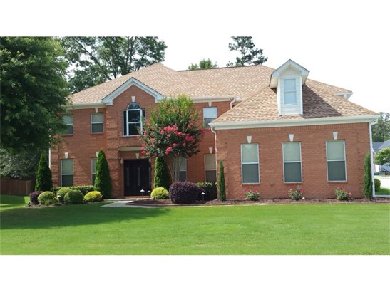 Residential/Single Family - Fairburn, GA (photo 1)