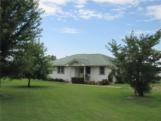 Residential/Single Family - Maysville, AR (photo 1)