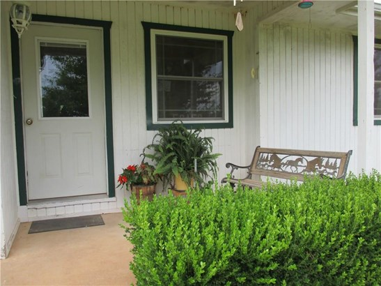 Residential/Single Family - Maysville, AR (photo 2)