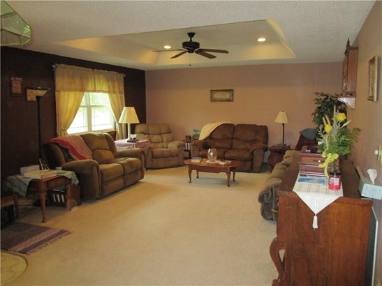 Residential/Single Family - Maysville, AR (photo 3)