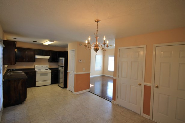 Residential/Single Family - La Vergne, TN (photo 3)